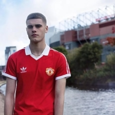 Male Sports grooming makeup by @lourothwellmakeup for @manchesterunited @adidasoriginals #hairandmakeup