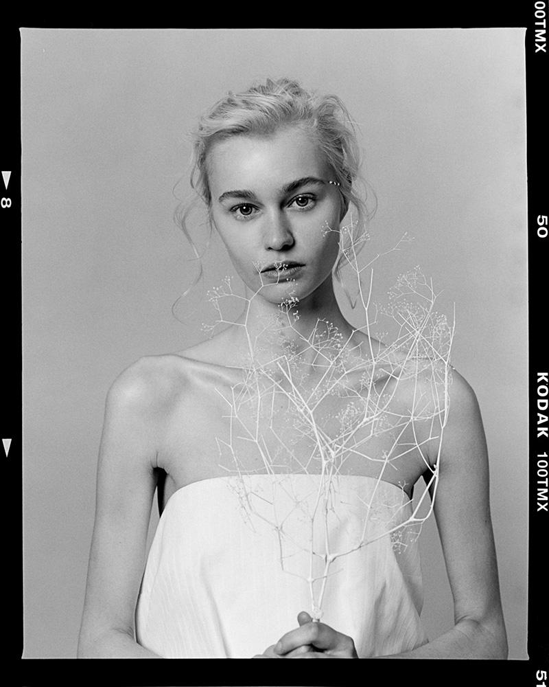 Gemma - KnotsMag_Sub_CraigFleming - RZ67II_0504LowRes
