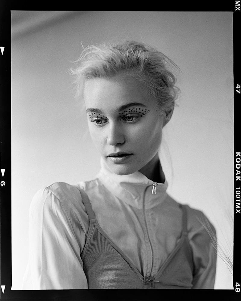 Gemma - KnotsMag_Sub_CraigFleming - RZ67II_0509LowRes