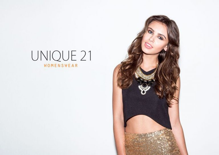 Laura - New 2017 - Laura - Unique21 - unspecifiedS22Q85OY